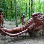 Hlava mamuta ze dřeva
