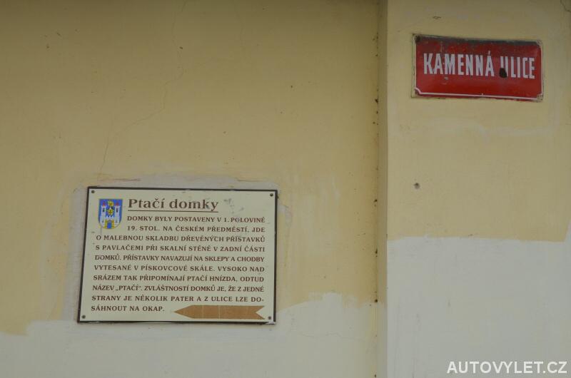 Informační cedule Ptačí domky v Kamenné ulici
