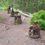 Dřevěné sochy u hradiště Kyjovský hrad