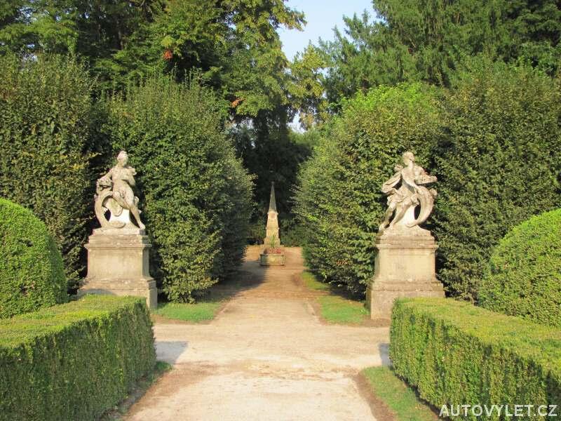 Zámek Buchlovice zahrada 2