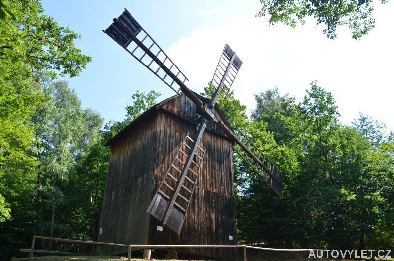 Větrný mlýn ve valašském muzeu
