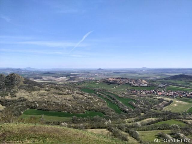 Výhled z kopce Oblík