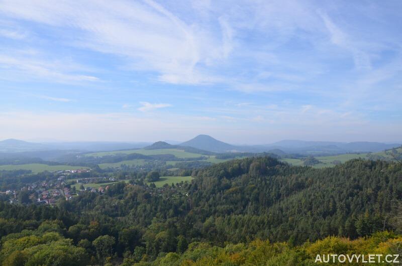Výhled z Jehly na Českou Kamenici a okolí