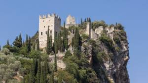 Arco středověký hrad - Lago di Garda Itálie