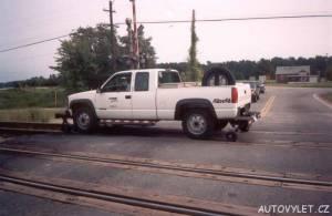 Auto na kolejích v USA