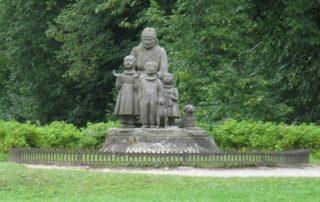 babiččino údolí socha
