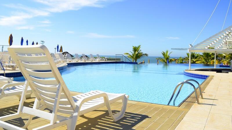 Bazén, slunce, moře