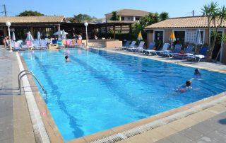 bazén summertime sidari řecko korfu