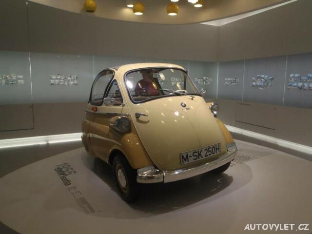 BMW muzeum Mnichov Německo 6