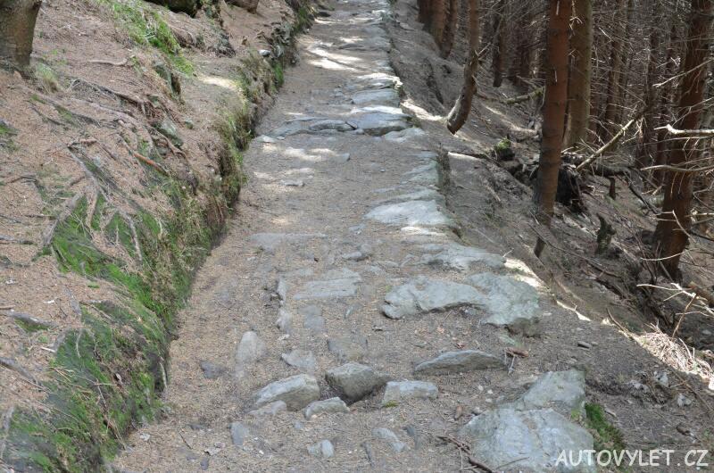 Cesta kamenitá ze Sněžky do Pece