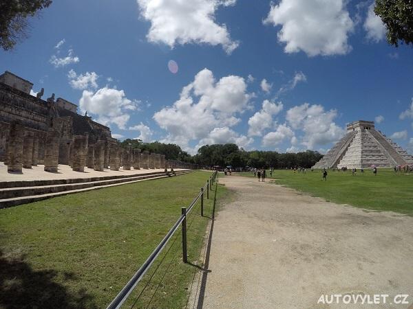 Chichén Itzá v Mexiku - jeden ze sedmi nových divů