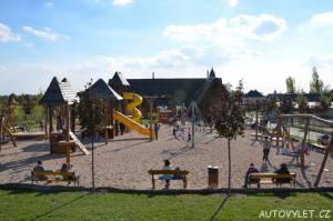 Dětské hřiště - nová zoo Chleby
