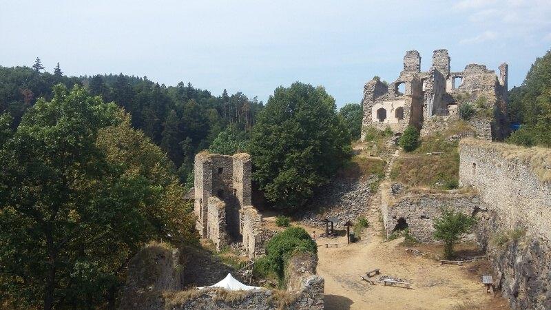 Dívčí kámen - zřícenina hradu