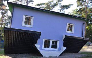 Dům vzhůru nohama - Pobierowo Polsko