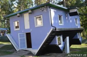 Dům vzhůru nohama - Pobierowo Polsko 2