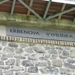 Erbenova vyhlídka - nápis na rozhledně