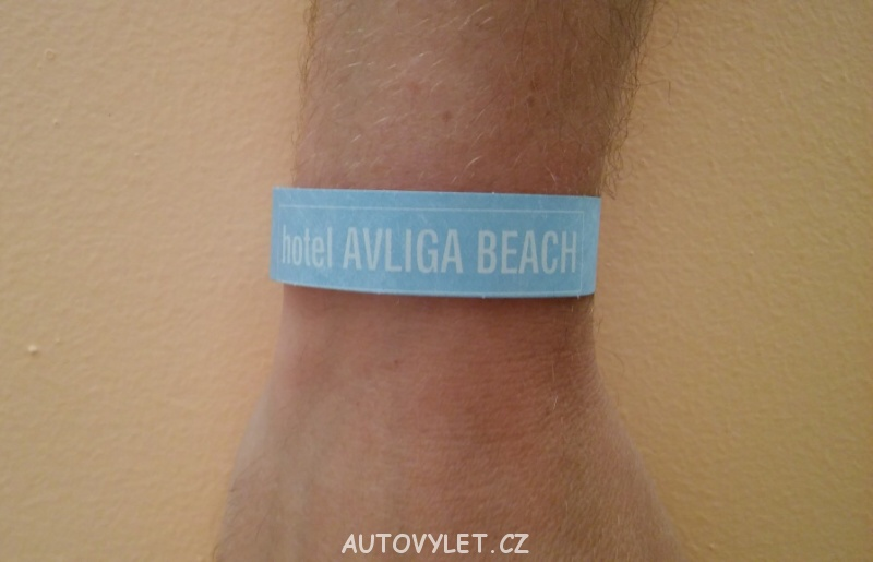 hotel avliga beach pásek na ruku