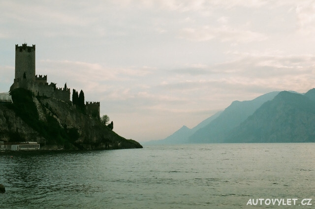 Hrad Sirmione Lago di Garda Itálie