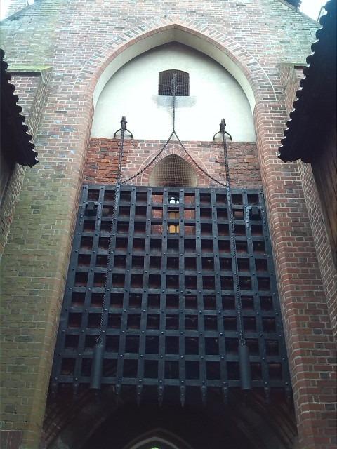 hrad - zamek malbork polsko