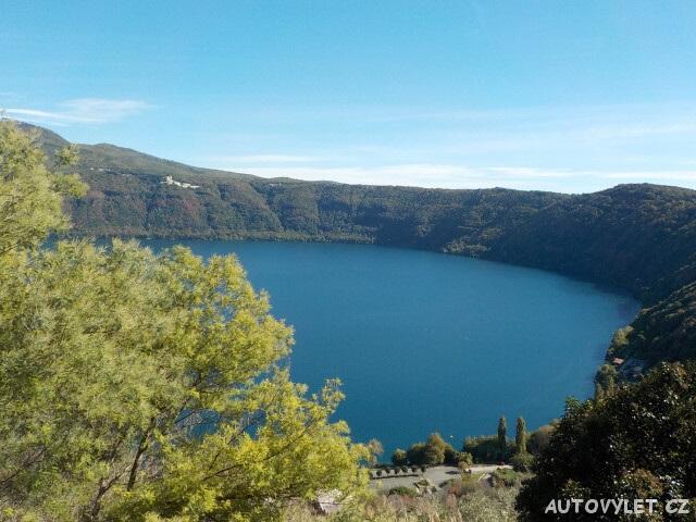 Jezero Lago Albano - Itálie