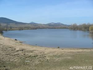 Jezero Píšťany pískovna 2