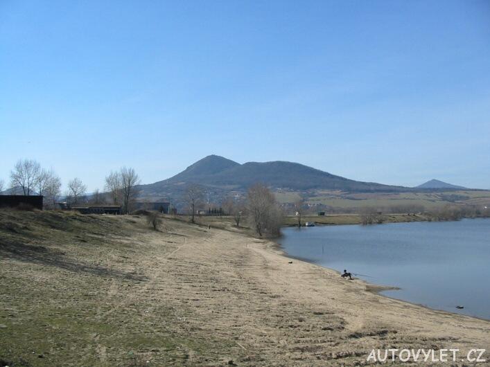Jezero Píšťany - pískovna