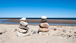 kameny pláž
