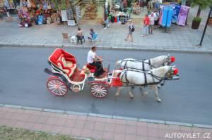 kočár tažený koňmi slunečné pobřeží bulharsko