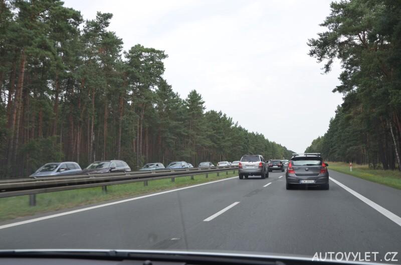 Kolona na dálnici v Polsku v obou směrech
