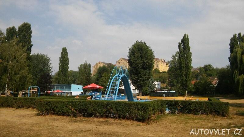 Koupaliště Litoměřice bazén s klouzačkou
