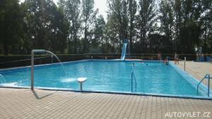 Koupaliště Litoměřice bazén s klouzačkou 2