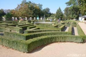 Labyrintárium Loučeň - buxusové bludiště