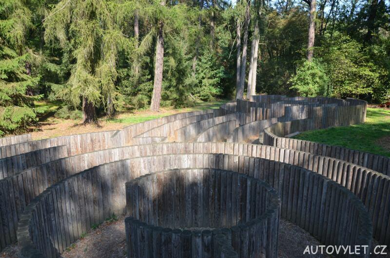 Labyrintárium Loučeň - palisádové bludiště