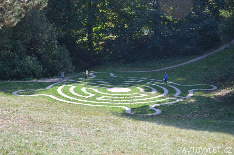 Labyrintárium Loučeň - pískovcový labyrint