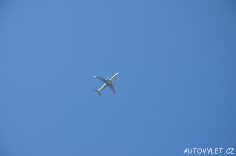 letadlo na obloze 2