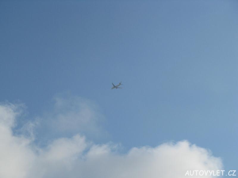letadlo na obloze 5