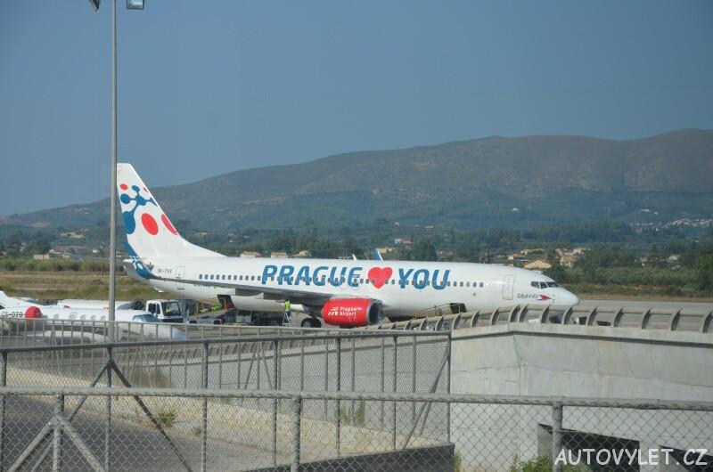 letadlo prague love you