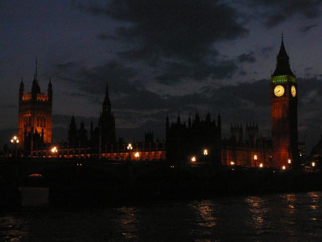 Město Londýn v noci - Anglie