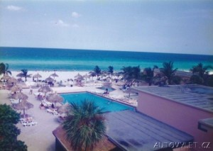 miami beach výhled z hotelu na pláž a atlantik