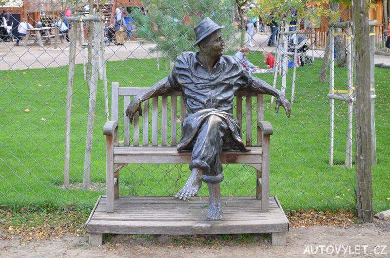mirakulum milovice zábavní park - socha