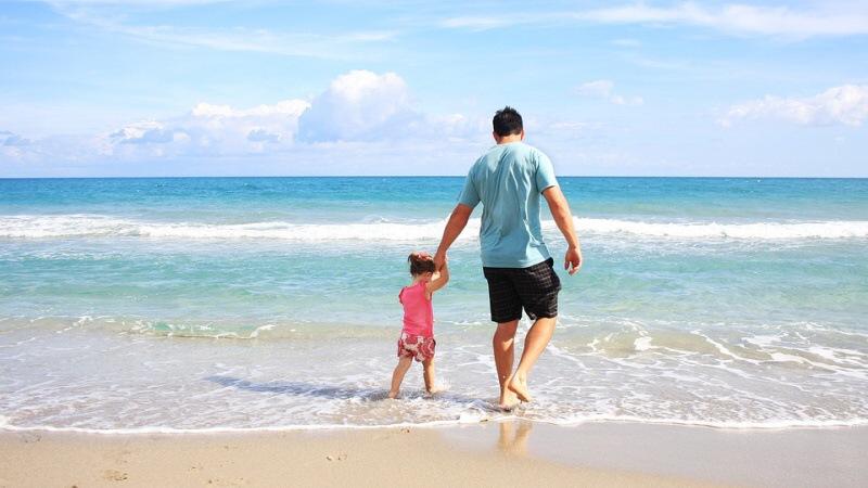 moře táta dítě