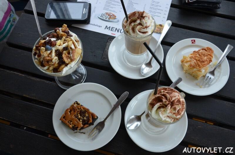 mražená káva, dorty, pohár polsko