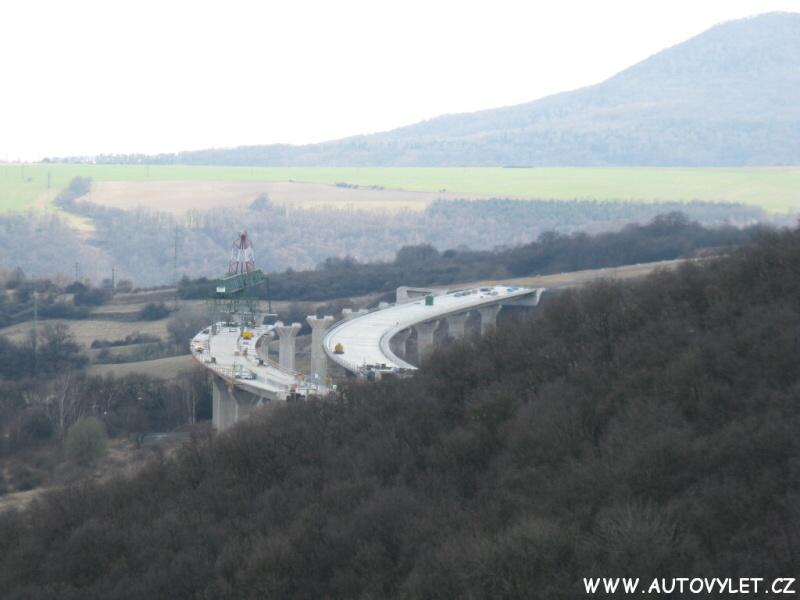 Nový most dálnice D8