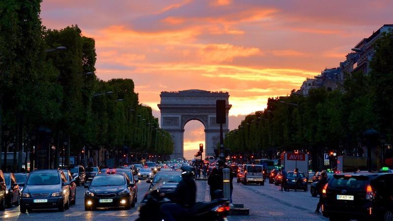paříž vítězný oblouk