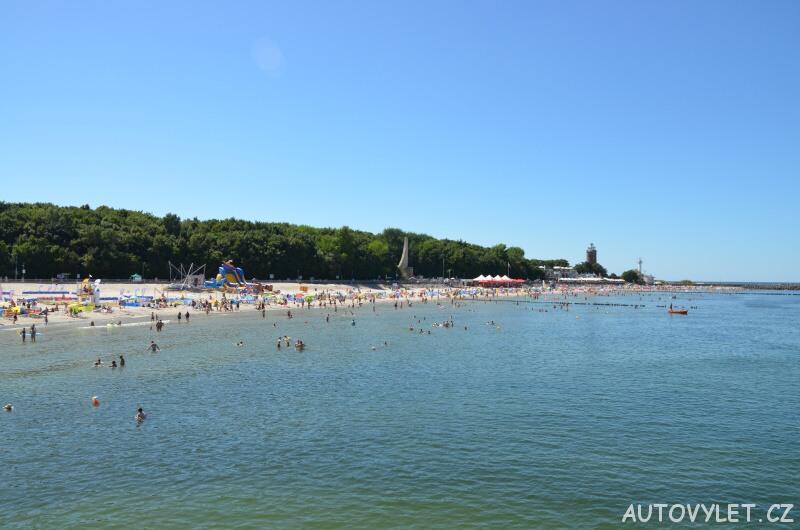 Pláž a maják v Kolobřehu v Polsku