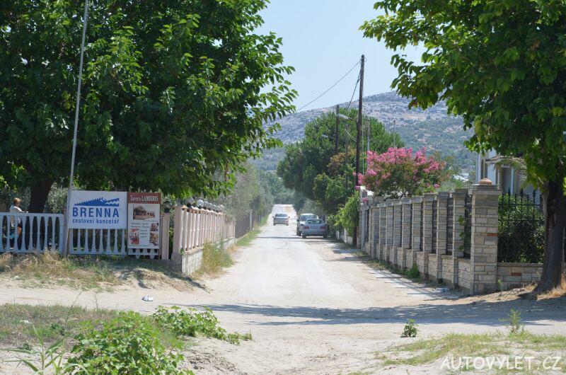 Pláž Potos Thassos Řecko příjezdová cesta