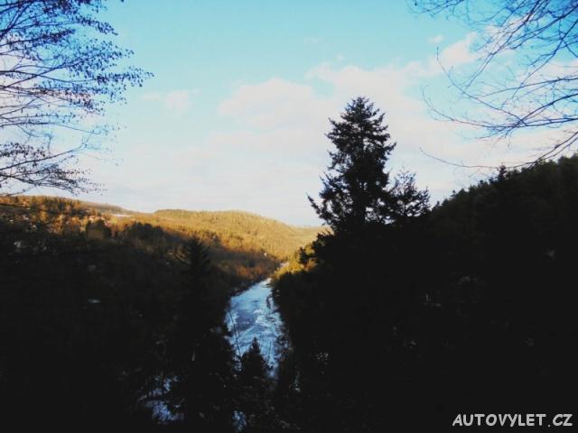 Posázavská stezka - údolí