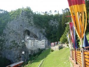 Predjamski grad Slovinsko