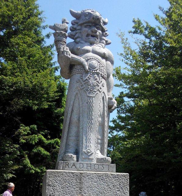 Radhošť socha Radegasta