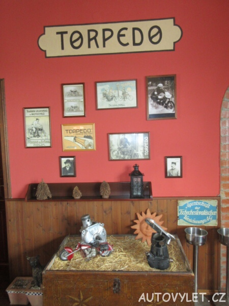 Restaurace Zlaté Slunce u Kolína - Motocykly Torpedo